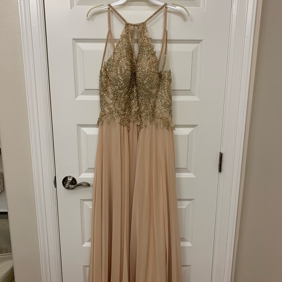 Dresses & Skirts - Gold/Cream Halter gown